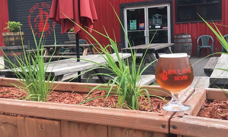 Devil's Kettle DKIV glass on patio